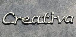 Aluminium letters aan elkaar gooien